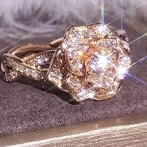 Jewelry - ✨HOST PICK 🍸✨RoseGold plated Flower Ring